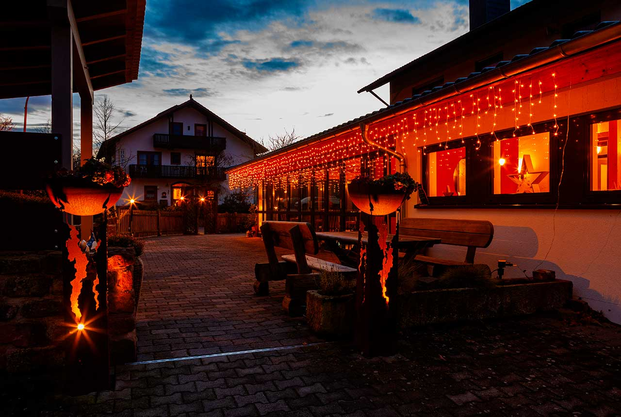 Hotel und Restaurant Pfeifertal Hotel bei Nacht