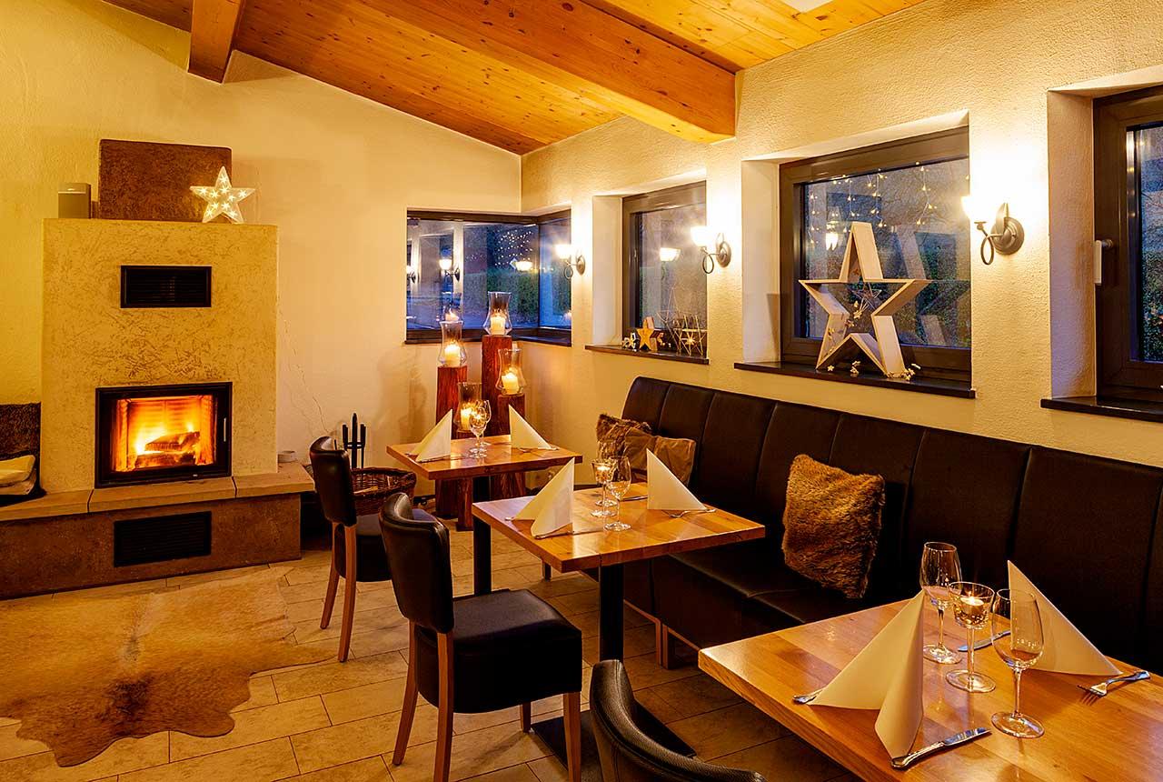 Hotel und Restaurant Pfeifertal Restaurant Kaminzimmer