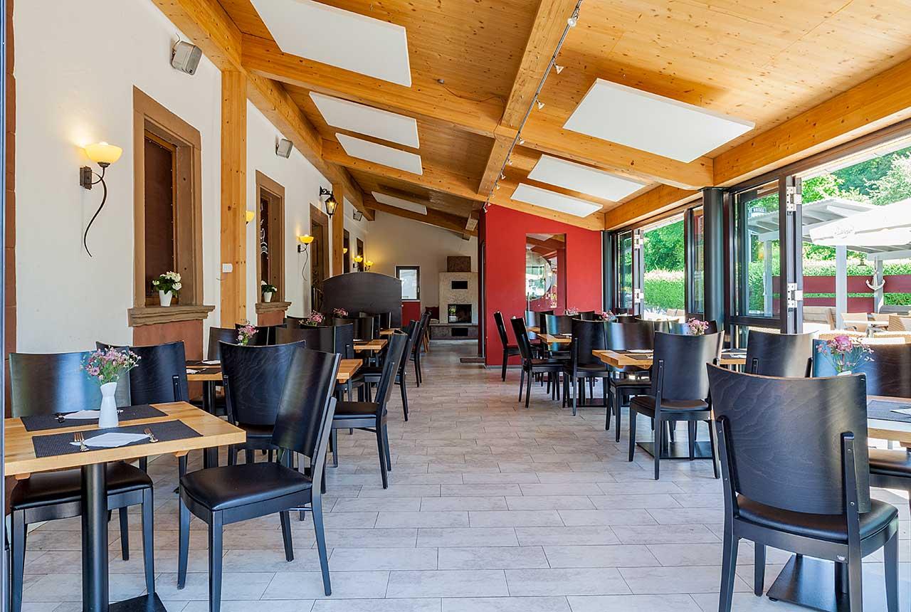 Hotel und Restaurant Pfeifertal Restaurant Wintergarten Sommer